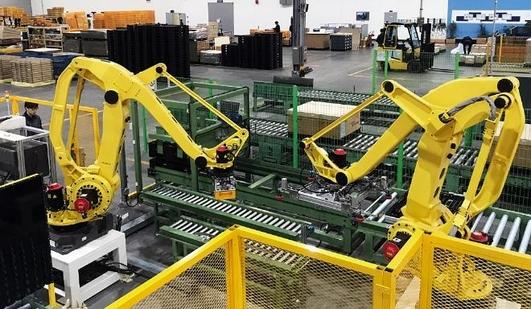 사람이 하던 작업 로봇이 '척척'…현대글로비스, 車 부품 포장에 자동화 로봇 도입