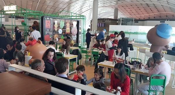 라인프렌즈, 홍콩 공항에 브라운 캐릭터 활용 레스토랑 열어