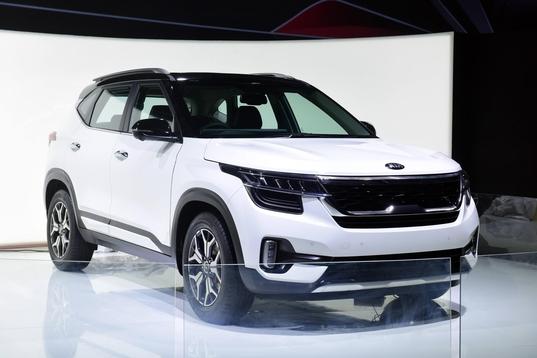기아차, 신형 SUV 셀토스 인도서 최초 공개